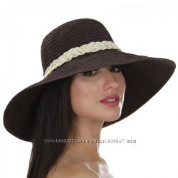 Широкополые летние шляпы