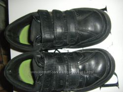 Светятся кроссовки, сапожки George  и аккуратные кроссовочки