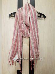 Оригинальный брендовый весенний шарфик нежного розово-белого цвета TRUCCO