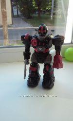 Робот HAP-P-KID и герой бетман