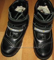 Зимние кожаные ботинки на овчине 30 размер стелька 19, 5см тм Каприз