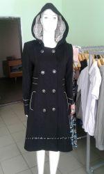 Новое пальто с капюшоном 44  S  и 48 L р