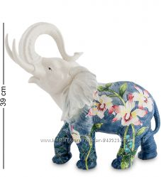 Слон из фарфора. Статуэтка, сувенир, фигурка фарфоровая.