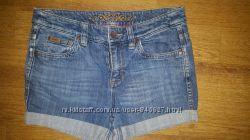 Продам джинсовые шорты Esprit. Новые.