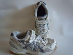 Детские кроссовки Asics, р. 30, 18 см. Бесплатная  доставка