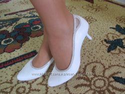 Шкіряні весільні туфельки
