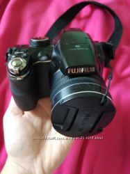 Бюджетный фотоаппарат Fujifilm FinePix S4200