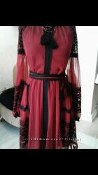 Платье с вышивкой по сетке и кружевами
