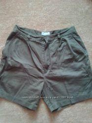шорты  разные 46 и 52 размеров
