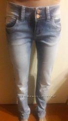 Светлые женские джинсы, размеры 25, 26,  28, 29