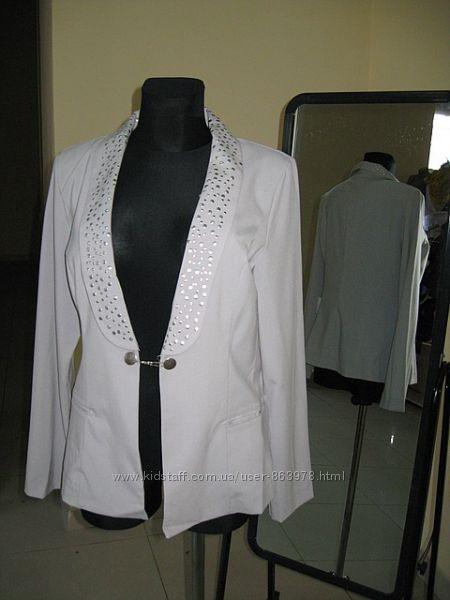 Легкий серый пиджак, размер L