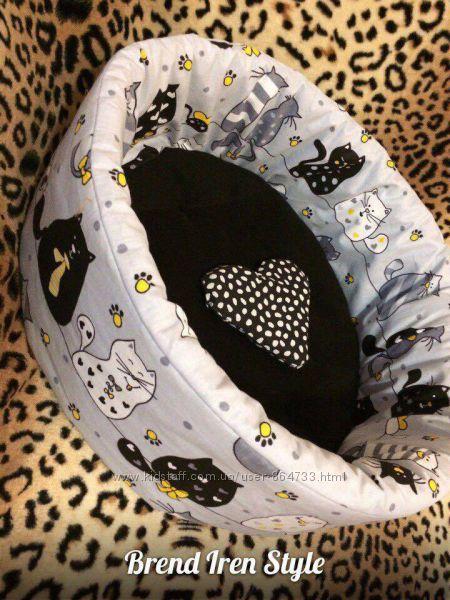 Лежанки и матрасики для котиков и собачек в наличии и под заказ