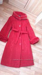 Пальто черное  и красное - без дефектов