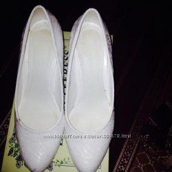 Продам весільні туфельки