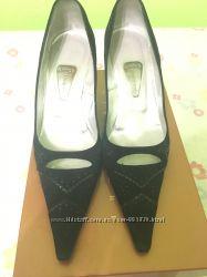 Продам итальянские туфли женские Gibellieri