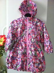 Стильный плащик с цветочным принтом фирмы TU размер 3-4 года Англия, новый