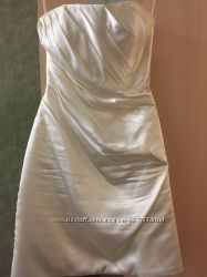 Атласное платье-футляр  42р.
