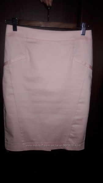 Легкая юбка из эластичного сатина.