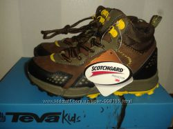 Детские демисезонные ботинки Teva Escape Mid Boys Hiker
