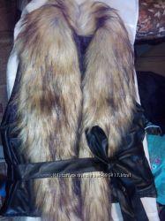 Женская жилетка с искусственным мехом р. 46-48