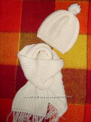 Комплект набор шапка крупной вязки с шарфом. Состояние идеал