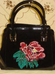продам эксклюзивную черную лаковую кожанную сумку производство турция