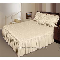 Нарядные покрывала на кровать различных цветов