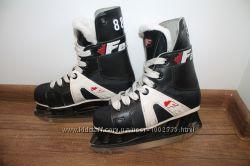 Детские хоккейные коньки 20см