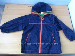 Продам ветровку  с капюшоном Mini Mode для мальчика 3-4 года
