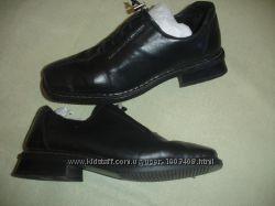 Фирменные Rieker  кожаные деми туфли на 39 размер