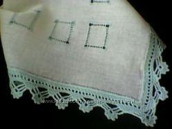 Носовой платочек из ситца с ручным кружевом и мережкой