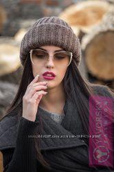 Оригинальная теплая вязаная шапка