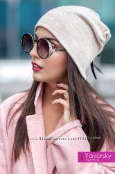 Тёплая шапочка с бантиком для девушки