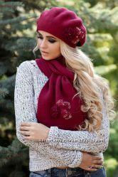 Милый комплект берет и шарф