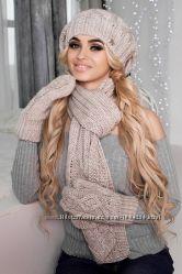 Теплый комплект берет, шарф и варежки