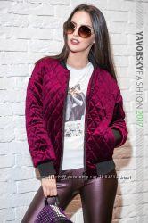 Стильная женская велюровая курточка
