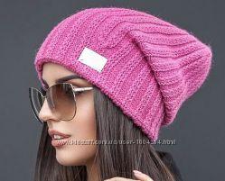 Стильная демисезонная шапочка для девушки