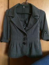Красивый костюм пиджак и шорты размер 42