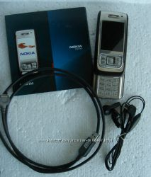 Мобильный телефон Nokia Е65 с зарядкой