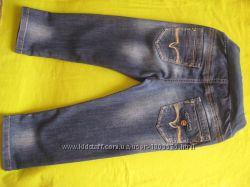 Модные джинсики на мальчика 98 р. почти новые