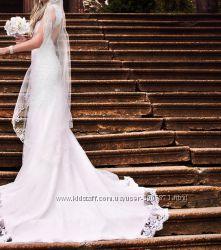 Продам шикарное свадебное платье с открытой спинкой