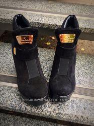 Зимние ботинки с резинкой на платформе и без