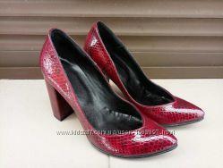 Туфли лаковая кожа под питон 36-40р черные и бордо