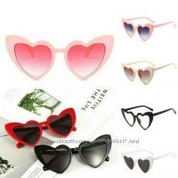 Женские очки солнцезащитные в форме сердца