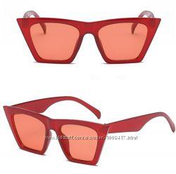 Очки женские солнцезащитные с острыми краями