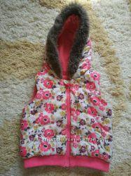 Жилетка безрукавка на флисе для девочки 4-5 лет.