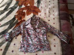 Красивая атласная блузка размер С