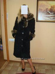 Элегантное пальто с вставками натурального меха