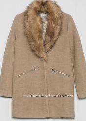 шерстяное пальто Bershka с меховым воротником осеннее