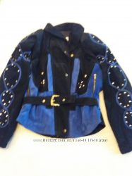 Красивая куртка из замша. Италия.